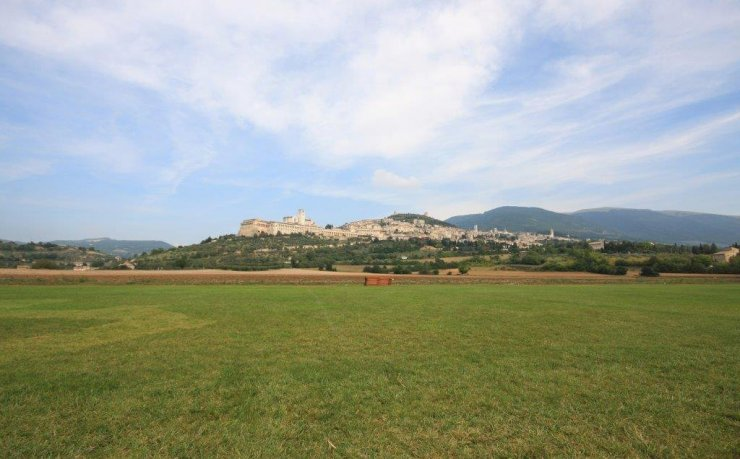 Assisi Endurance Lifestyle Panorama