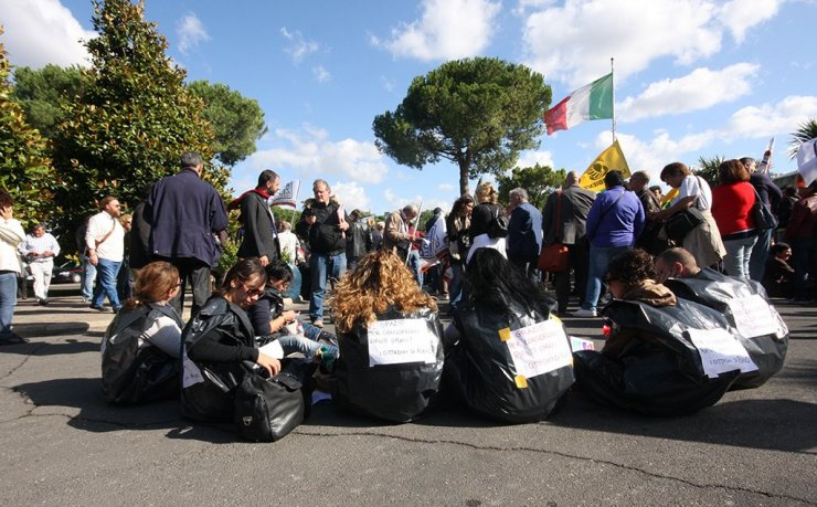Manifestazione No discarica a Villa Adriana
